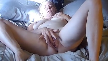 It started with a Clit Rubbing Orgasm - Ended in with a Dripping Creampie